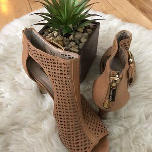 Louise et Cie Olivia Tan Leather Open Toe Heel